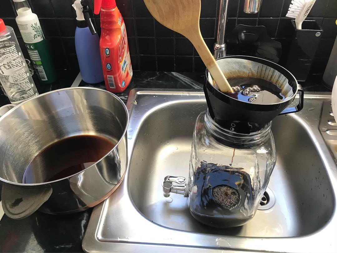 Kallbryggt kaffe. Prova brygga ditt kaffe kalt.